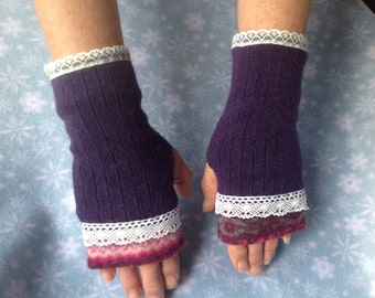 Pretty wool and lace fingerless gloves/ mitts handwarmers.