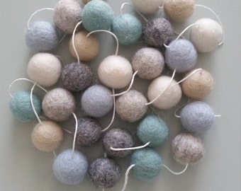 Felt Ball Garland 'Sea Breeze'
