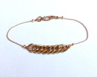 Minimalist bracelet in varnished golden brass