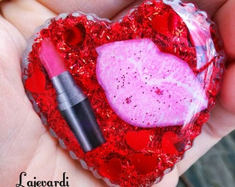 Lipstick love heart shaped pendant so gorgeous!!! Can be made into a hair clip