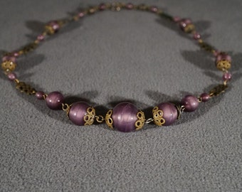 Vintage Yellow Gold Tone Fancy Filigree Luster Opalescent Purple Art Glass Bead Link Necklace Chain #611 **RL