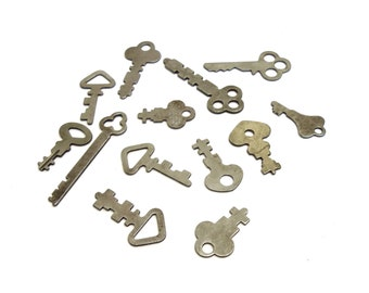Lot of 13 Genuine Vintage Flat Keys Jewelry Supplies Necklace Pendant Charms
