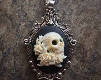 "GoTHiC Day of the Dead SUGAR SKULL & Roses Cameo Silver Pendant Necklace w 18"" Chain"