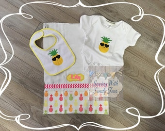 Baby gifts, Baby shower gift, Personalized Baby Girl Gift Set, Pineapple Girl, Pineapple Sunglasses, Onesie, Baby Bib, Burp Cloth, New baby