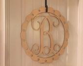 """22"""" scalloped oval monogram,monogram door hanger, mongram, interlocking font, front door hanger"""