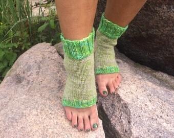 knit yoga socks Pilates Socks   women green Yoga Socks   socks  Dance Socks Slipper Socks Women  Socks  Colorful Hipster Socks