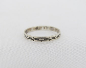 Vintage Sterling Silver Carved Band Ring Size 6.5
