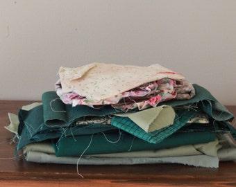 Scrap Fabric / Large Lot of Scrap Remnant Fabric / 25 Piece Lot of Scrap Fabric / Green Scrap Lot / Vintage Fabric Scrap Lot / Craft Supply