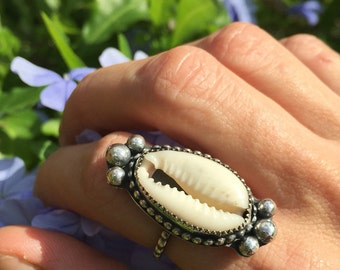 Handmade vintage style cowrie shell ring