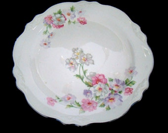 """HOMER LAUGHLIN Virginia Rose / Fluffy Rose 9-3/8"""" Luncheon Plate with Platinum Trim"""