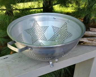 Large 6 Star Aluminum Footed Strainer Colander with Handles