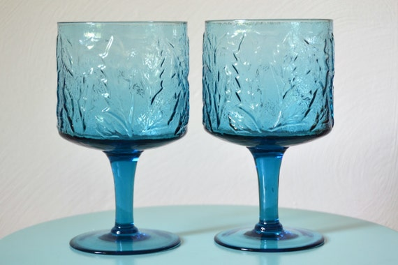 Blue Pattern Wide Wine Glasses