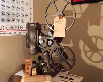 EXCELLENT Vintage Keystone Movie Projector 8mm