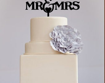 Cake Toppers  cake centerpieces weddings cake topper Mr and Mrs