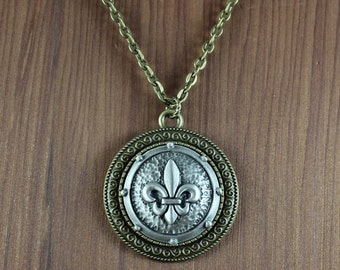 Fleur De Lis ~ pendant necklace