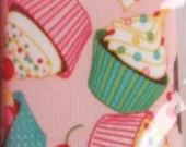 Waterproof Cupcake Print Baby Bib