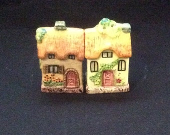 Vintage Thatched Roof Cottage Salt and Pepper Shakers
