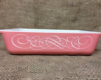 Vintage Pyrex Promotional Pink Scroll Space Saver  2 Qt  575