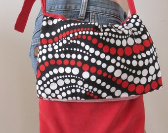 Handbag, satchel, adjustable shoulder strap, red uni and printed vintage