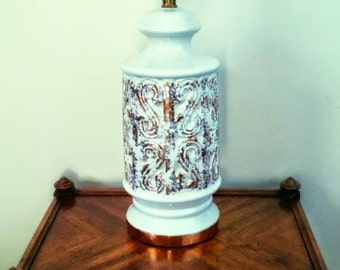 FREE SHIPPING Vintage Mid Century Hollywood Regency White and 22 K Gold Scroll Porcelain Lamp