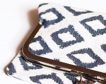 """Lilac"" - color blue and white diamond hand Pocket"