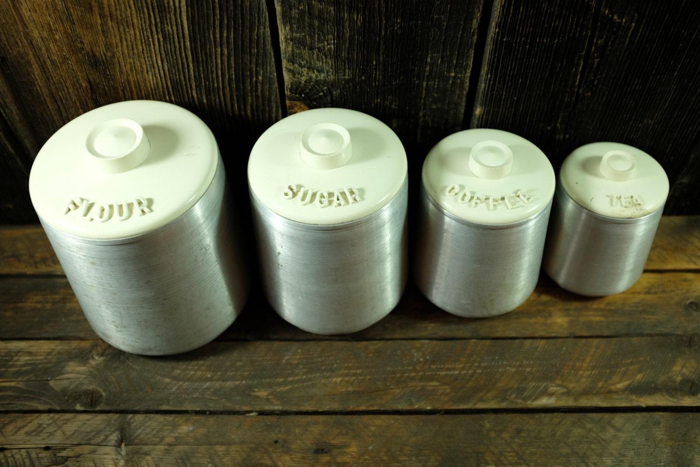 set de 4 contenants farine sucre caf et th par kromex. Black Bedroom Furniture Sets. Home Design Ideas