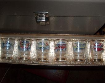 6 Vintage Glasses in Box