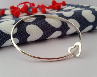 Heart Dangle Bangle