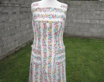 SALE! Fabulous Vintage Summer Dress Floral Print Made By Global M