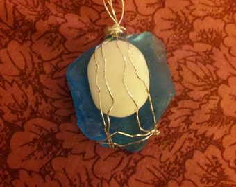 reversible turquoise seaglass white stone wire wrapped pendant
