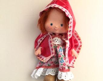 Special Strawberry Shortcake Vintage Doll 1979 American Greetings Sundress Raincoat