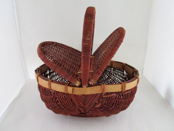 Wicker Baskets With Handles And Lid : Wicker basket with split lid and handle woven