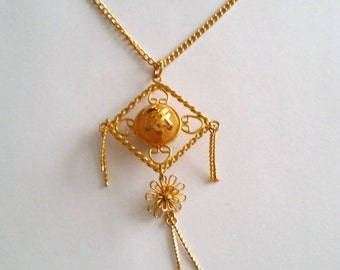 Clearance Amazing Vintage Gold Tone Asian Pendant Chain Necklace
