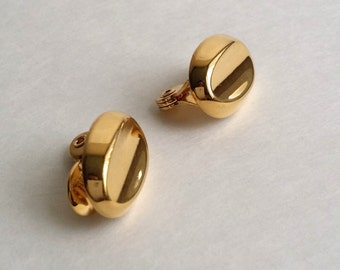 Awesome Vintage Signed MONET Gold Tone High Polished Clip On Earrings