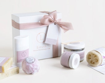 Bath Set. Bridesmaid gift set. Bath gift set. Lavender Spa gift. Spa basket. SPA Gift set. bath and body gift. Gift Set.Bridesmaids spa Gift