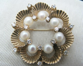 Gorgeous Vintage Pearl and Diamond Brooch in 14k Yellow Gold
