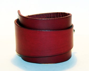 Red Leather Cuff!Red Leather Bracelet! Great Gift! Red Cuff! Very Nice Bracelet! Gift For Men! Gift For Women! Great Leather Bracelet!