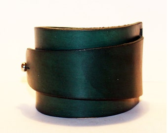 Green Leather Cuff! Green Bracelet! Great Gift!Green Cuff! Very Nice Bracelet! Unique Handmade Gift!