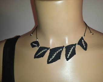 Macrame necklace with black leaves