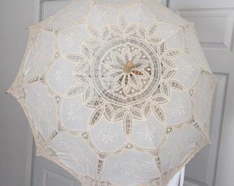Gorgeous Vintage Cream Parasol, Sun umbrella, Lace umbrella, Wedding, Photo props