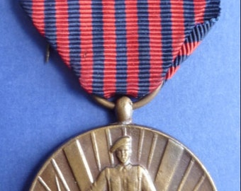 WW2 Belgium Military Medal - The 1940 - 1945 Volunteers Combat Medal. Superb Condition.