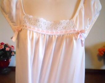 Vintage Queentex ~ Long Pink Nightgown ~ Petal Pink Silky Nylon ~ Elegant Gown ~ Feminine  Nightgown ~ Pink Nightgown ~ Medium