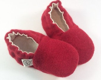 Cashmere Baby Gift- Baby Shower Gift- Red Baby Accessories- Newborn Clothes- Coming Home Outfit- Newborn Shoes- Pregnancy- Newborn Layette