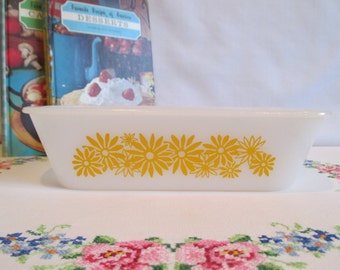Vintage Glasbake Yellow Daisy Loaf Pan