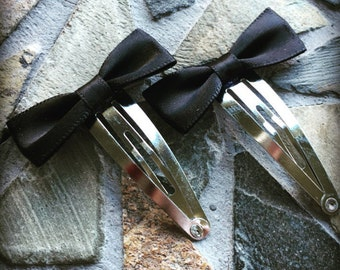 Small Black Bow Snap Clip Set