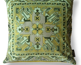 Green velvet cushion cover OLIVINE