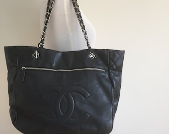 Vintage Chanel black caviar large shopping tote with front zipper pocket auth#14017174