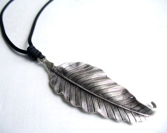 Spring leaf, leaf necklace, autumn jewelry, silver leaf, nature jewelry, best friend, trendy necklace, 5 year gift men, boho leaf,