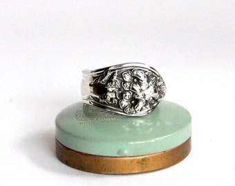 spoon ring, floral spoon ring, 1913 fairfield pattern spoon ring,  flower ring