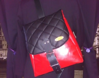 Send red shoulder bag black-